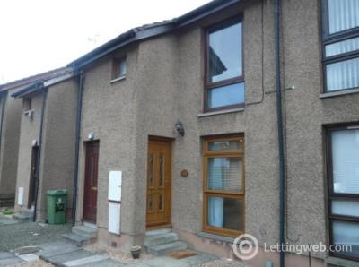 Property to rent in Towers Court, Falkirk