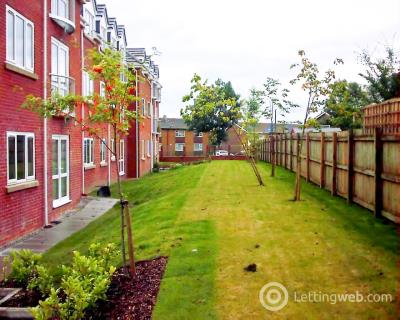 Property to rent in Little Moss Court, Swinton