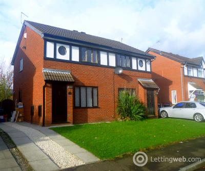 Property to rent in Kershope Grove, Salford