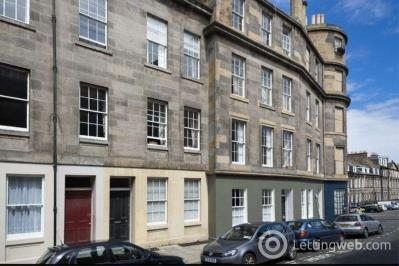 Property to rent in 8/7 Barony Street EDINBURGH EH3 6PE
