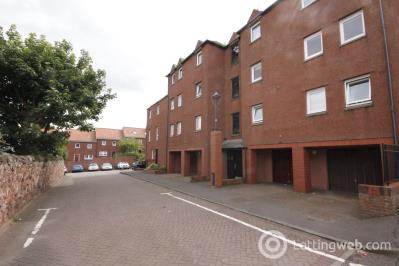 Property to rent in Woodbush Court, Dunbar