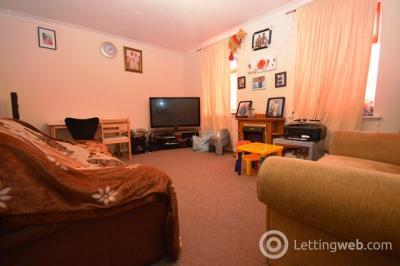 Property to rent in West Pilton Drive, Edinburgh, EH4