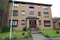 Giffnock and Thornliebank, East Renfrewshire, G46, 2 bedroom property