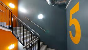 PILESTREDET-detalj interiør trappegang