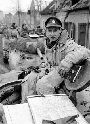 Major Alec Renton, 3rd/4th County of London Yeomanry (Sharpshooters), 1944-1945 (c)