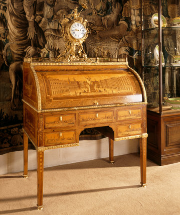 French bureau a cylindre by David Roentgen (active 1780-1807)