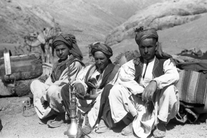 Mohmand men with a water-pipe