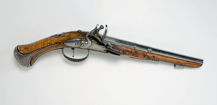 French flint-lock pistol, inscribed 'Le Conte A Carhat'