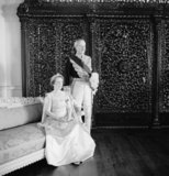 GOVERNOR OF BOMBAY, SIR JOHN COLVILLE AND LADY COLVILLE IN CEREMONIAL DRESS
