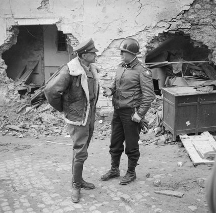 The commander of the Allied Armies in Italy, General Sir Harold Alexander, with American General Truscott, in charge of the Allied bridgehead at Anzio, 4 March 1944.