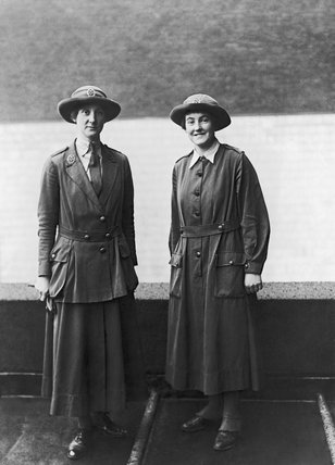 A forewoman and a private of the Women's Army Auxiliary Corps (WAAC) during the First World War.