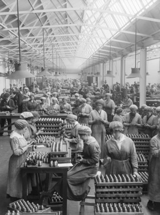 Women Workers arranging a packing fuse heads in the Coventry Ordinance Works.