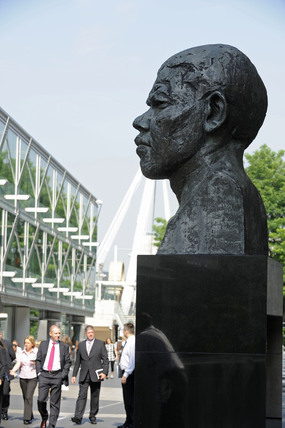 The Nelson Mandela Statue by the Royal Festival Hall; 2009