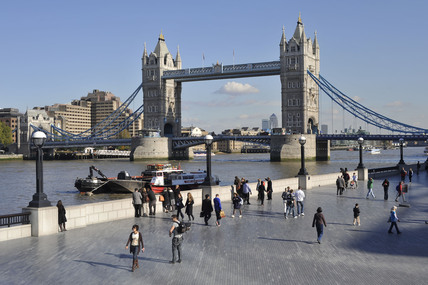 Tower Bridge; 2009