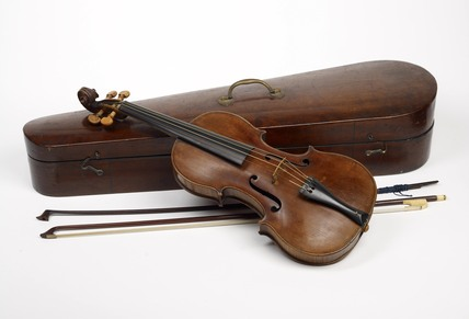 Violin, case & bow: C.1769