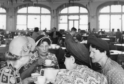 Four ladiesin the Pier Tearoom in Brighton: 1954