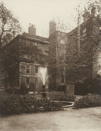 Fountain Court, Middle Temple: 1885