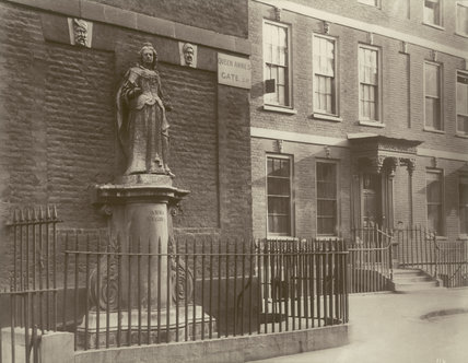 Queen Anne's Gate, Bloomsbury: 1886