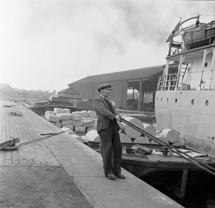Winchman at Surrey Commercial docks; 1953