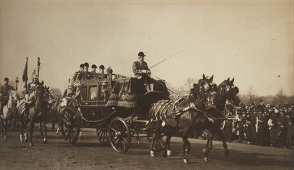 The King in his state carriage alongside Princess Mary, 1922