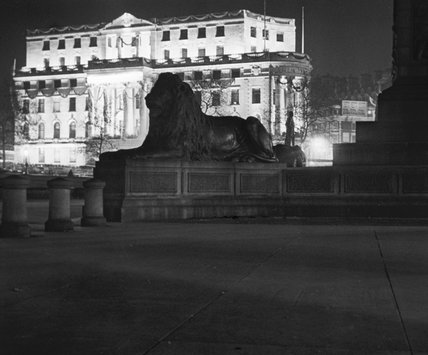 Africa House and one of the lions in Trafalgar Square ; 1930-193