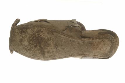 Leather shoe: 16th century