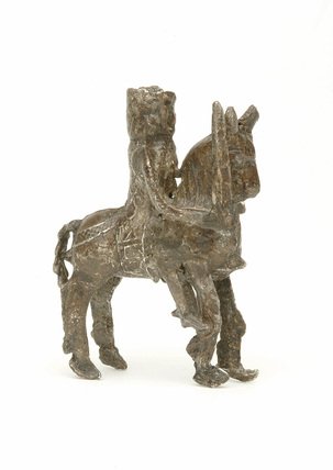 Knight on horse: 13th-14th century