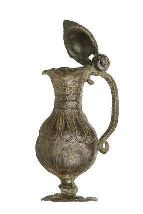 Pear-shaped toy flagon: 16th century