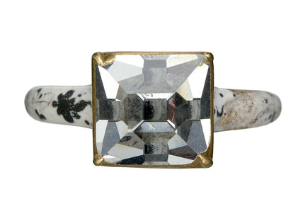 Gold finger ring set with a large table-cut diamond: 16th- 17th century