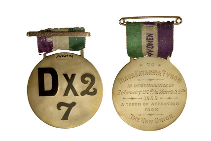 Front and reverse of a suffragette's commemorative medalliion: 1909