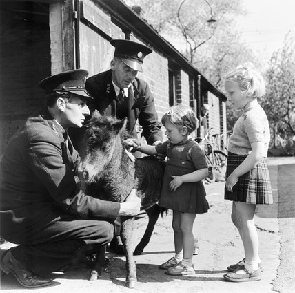 Children at the Zoo: 1950s