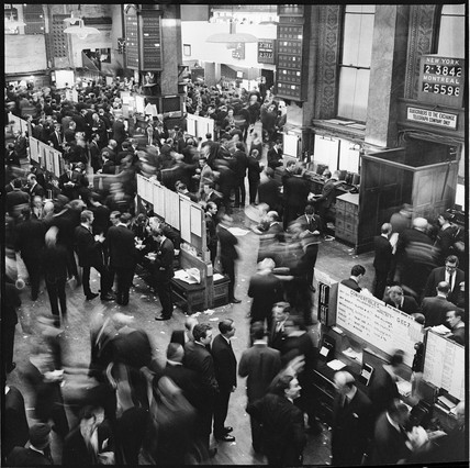 Traders on the Stock Exchange trading floor: 1968