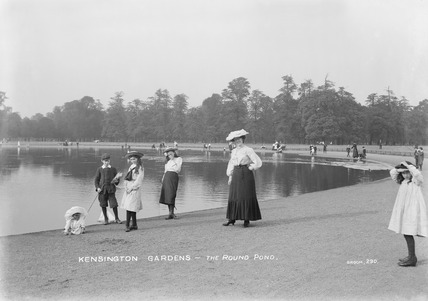 The Round Pond, Kensington Gardens: 20th century
