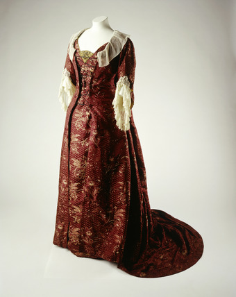 Red silk dress worn by Ellen Terry: 1885