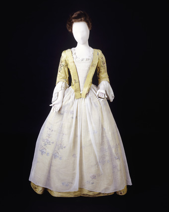 Yellow silk dress: 18th centruy