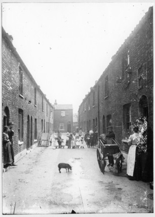 Cat's Meat Man in an East End street: c.1900
