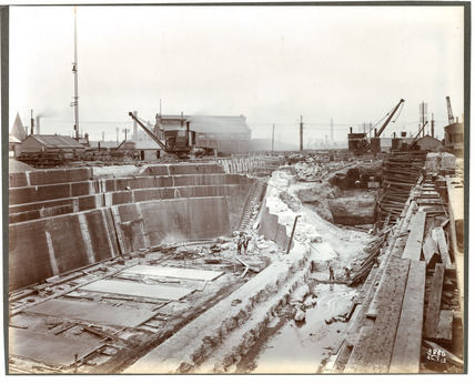 Royal Albert Dock Dry Dock being extended: 1913
