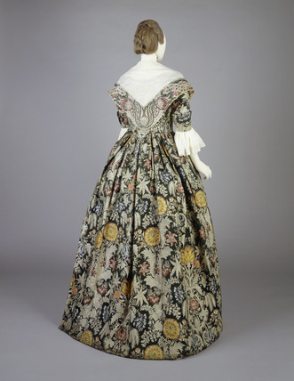 Green corded silk dress, back view: 18th century