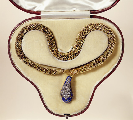 Gold filigree serpent necklace: 19th century
