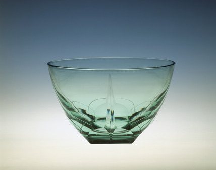 Whitefriars bowl in Emerald glass: 1936