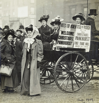 Christabel Pankhurst and Mary Gawthorpe welcomed at Manchester: 1907