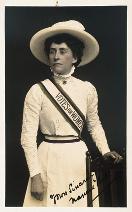 Photographic portrait of Nancie Bell: 1910