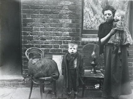 An evicted match-box maker, Bethnal Green: c. 1900