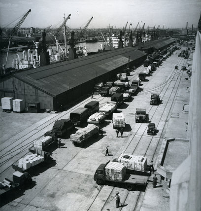 Exports arriving by road at West India Dock: 1954