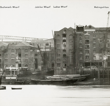 Thames Riverscape showing Buchanan's Wharf, Jubilee Wharf, Lushes Wharf and Metrolpolitan Wharf: 1937