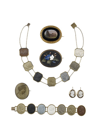 Assorted jewellery: c.1840