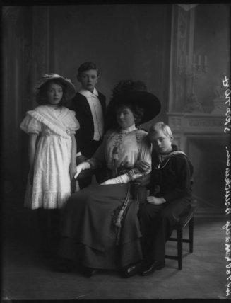Lady Brinckman with her children