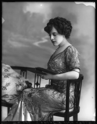 Lilian Mabel Alice ('Mabs') (née Roussel), Lady Richmond Brown