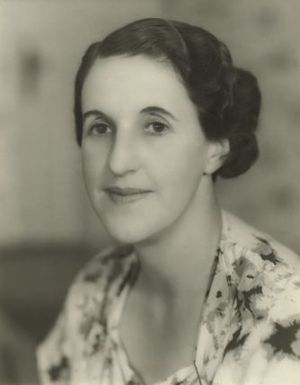 Margaret ('Peggy') Amy Saunders (later Michell)