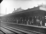 Commuters at the Great Western Railway's Slough Station, c 1907.